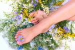 Как ухаживать за кожей ног летом?
