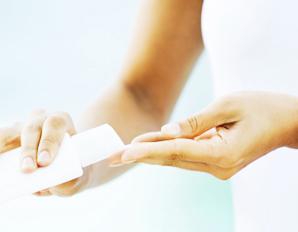 Лечение облысения у мужчин, имплантация волос. .провоцирующей снижение самооценки, появление тяжелых эмоциональных