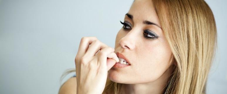привычка грызть ногти